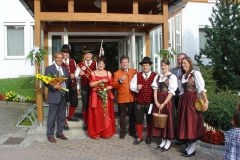 2007-08-18.Hochzeitsständchen Franz und Lisi Tösch