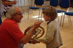 2009-05-08.''Lauschen, blasen,musizieren'' - Kinder im Probelokal